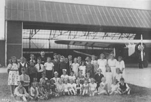 cbs de Bron - ca. 1938 - Schoolreisje naar Eelde